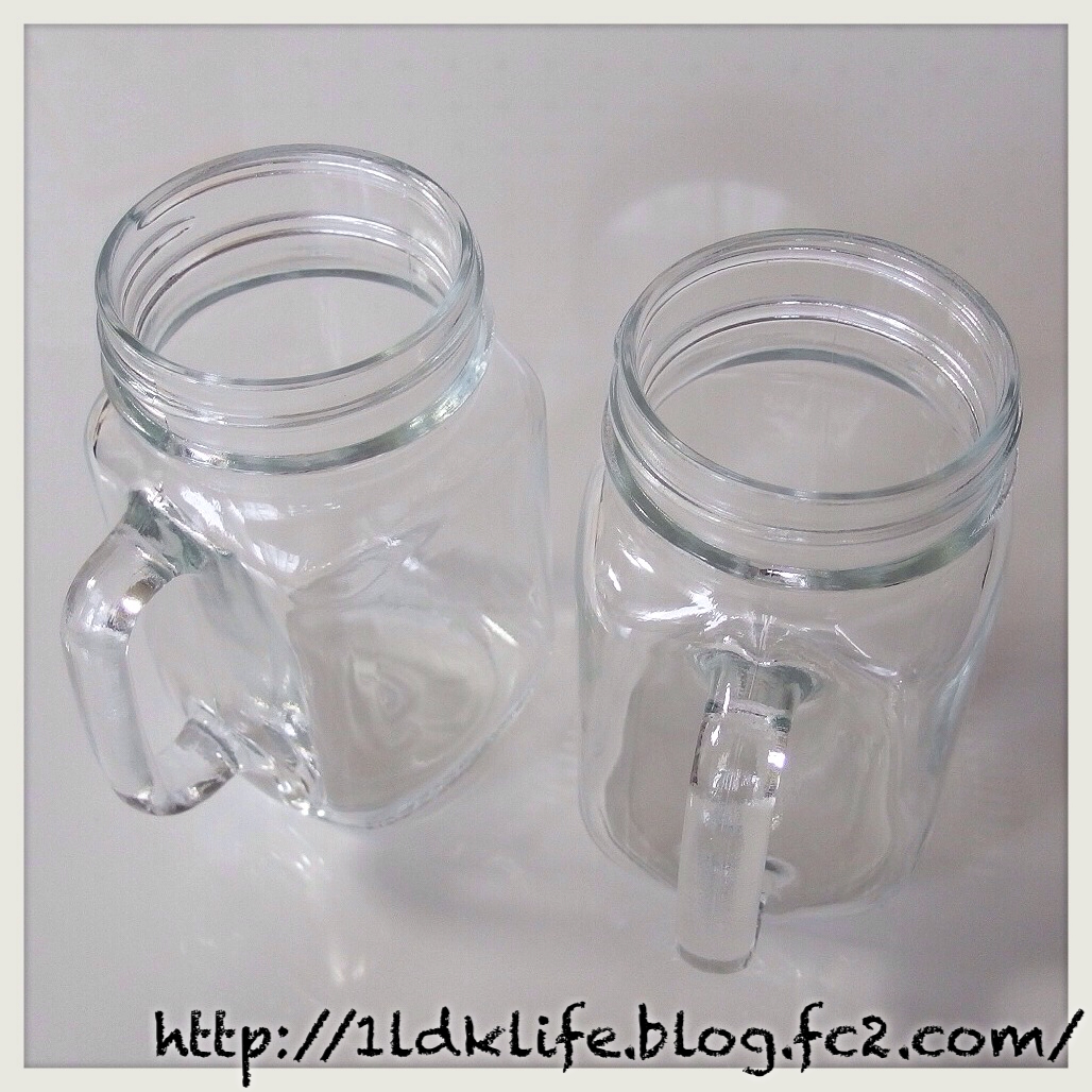 ガラス瓶のカップ(?)