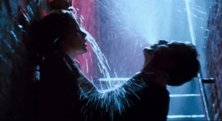 ずぶ濡れシーン