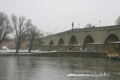 201302Regensburg-bridge.jpg