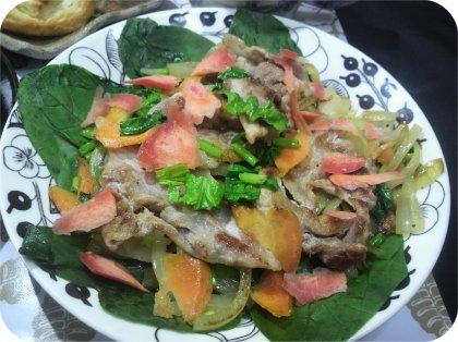 4-1肉まんとパンと野菜2