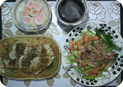 4-8黒ゴマ醤油焼きご飯と野菜炒め