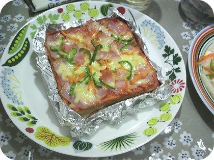 4-17新しいお皿が着ましたピザトースト2
