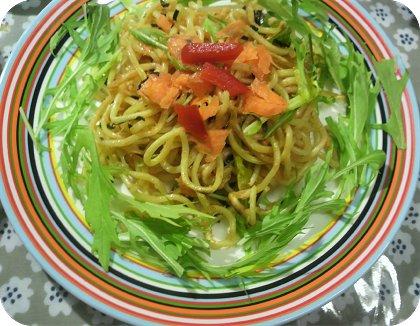 5-30朝の残り物辛子明太子麺と豆腐とナゲット3