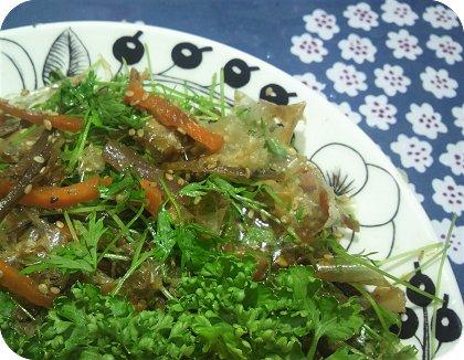 7-10炊き込みご飯とキンピラ人参菜和え3