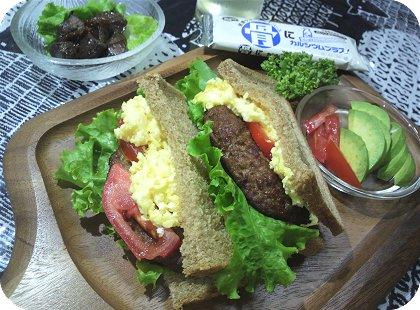 7-30玄米パンでサンドイッチと肝1