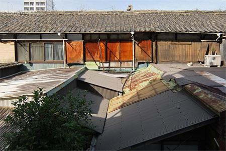 博多区博多駅東の木造長屋04