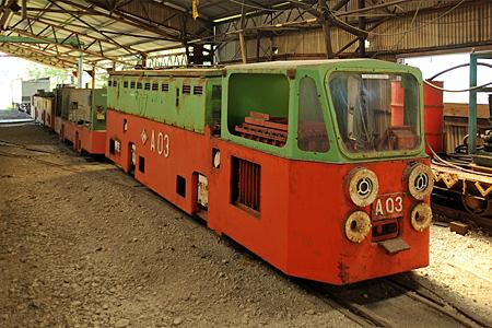三重連蓄電池式電気機関車01