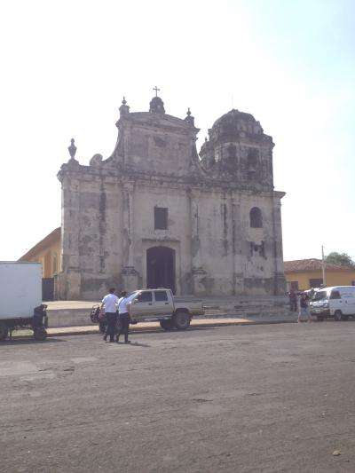 ニカラグア レオン 教会 旅行