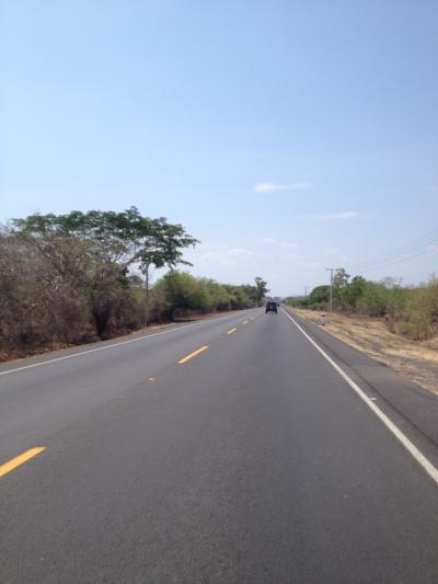 ニカラグア 道路 ツーリング 旅行