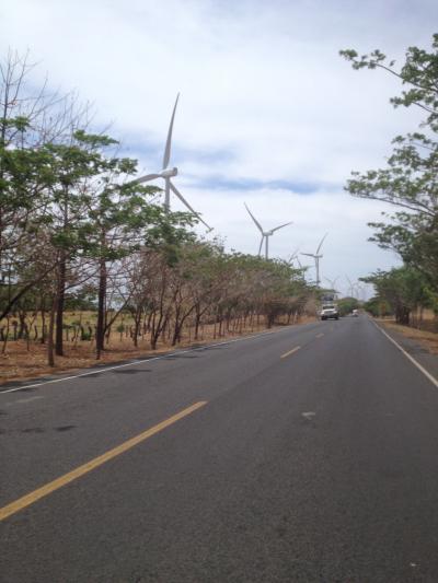 ニカラグア 風車 パンアメリカン ハイウェー