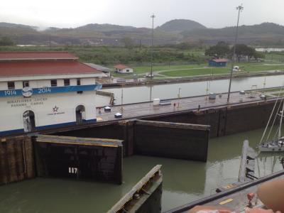 パナマ 運河 水門