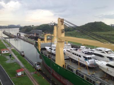 パナマ 運河 ミラフローレス