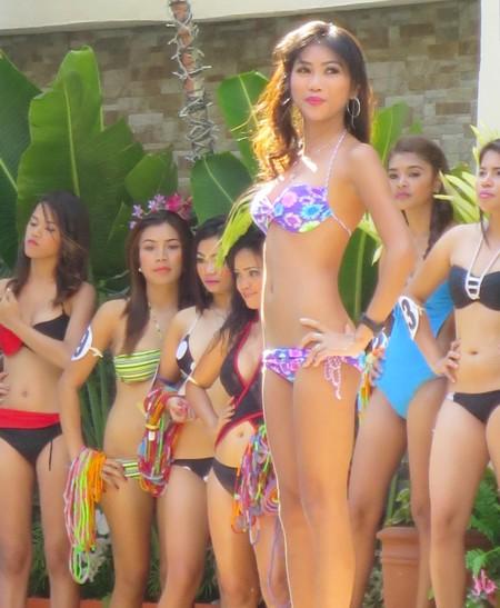 bikini contest score birds042614 (288)