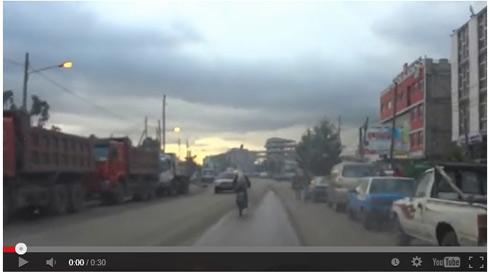 【動画】 男性とヤギの自転車2人乗りが目撃される 安定感すごいしなんだこれ!