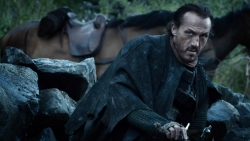 GameOfThrones_Lannister01_Screencap_24-Bronn.jpg