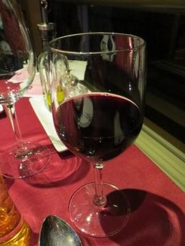 3本目は赤ワイン