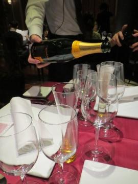 ワインを愉しむ夕べの始まり