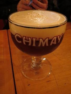 シメイレッド樽生グラス大だと、グラスがこうなります 900円