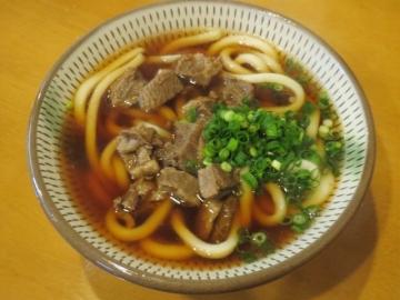 ①肉うどん(小) 500円(2014年4月から600円)