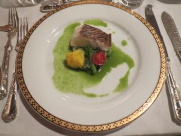 真鯛の白ワイン蒸し 菜の花が香るアサリのソース