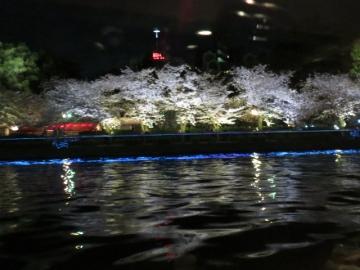 船内からの夜景