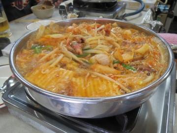ホルモン鍋、煮えました♫