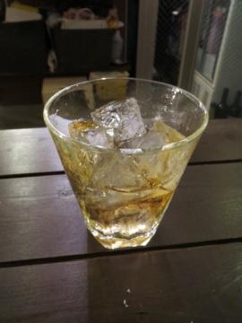ウイスキー(ロック・角) 400円