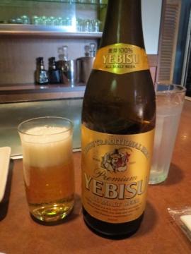 ビールは瓶。600円