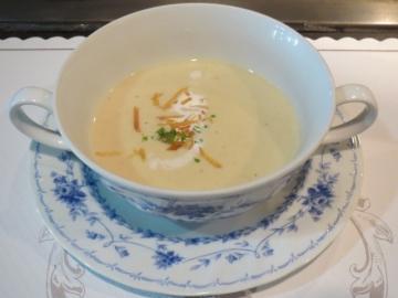 スープ、季節により栗のポタージュだった日