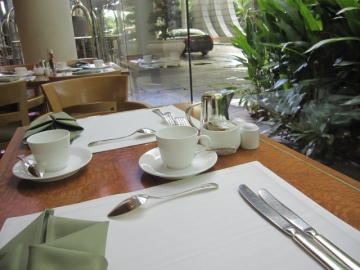 ・朝食ビュッフェはグリーンハウスで