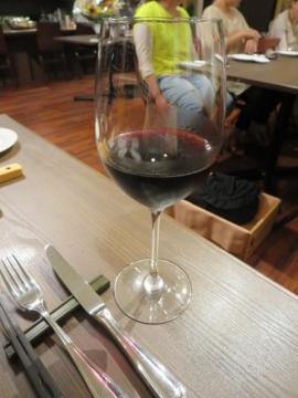 スペインのオーガニックワインをグラスで