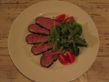 燻製 フランス産カモ胸肉 900円