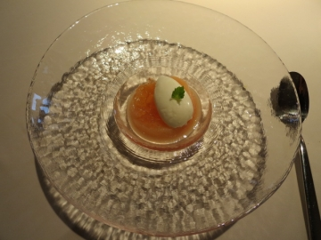 山梨白桃のコンポート