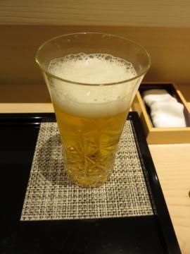 先ず、ビールをいただいて