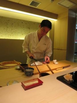 店主増田励(ますだれい) さん。小倉生まれの34歳