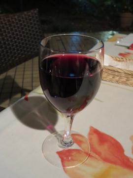 カベルネソーヴィニヨン(赤・ミディアムボディ・グラス) 700円(税別)