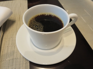 ・席で注いで貰ったコーヒー