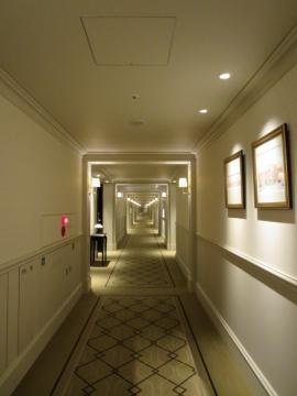 ・長い廊下