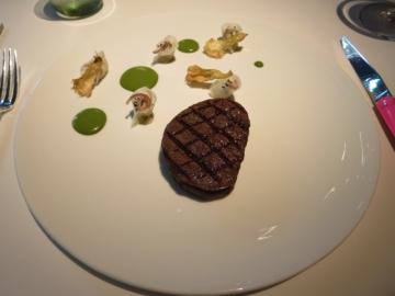 和牛フィレ肉のグリエ アーティチョークのニョケッティ
