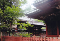 尾崎神社・拝殿と本殿