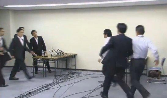 橋下桜井02