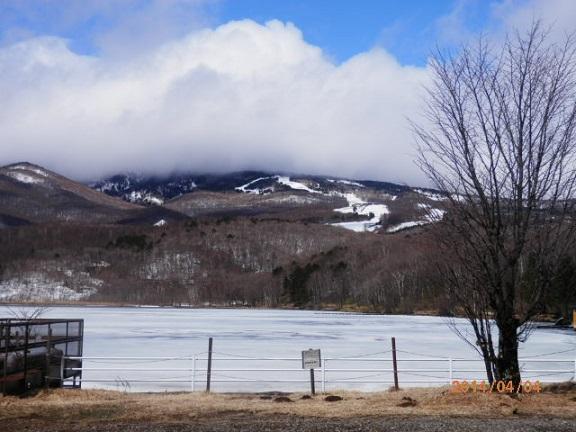 バラギ湖とスキー場