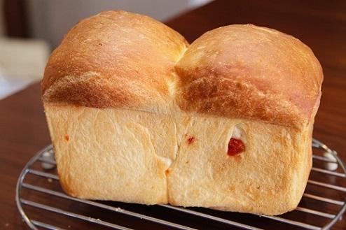 塩トマトパン