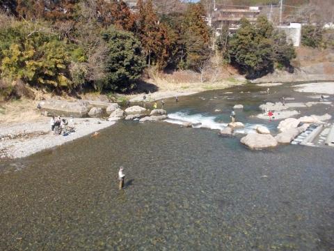 07秋川釣り人