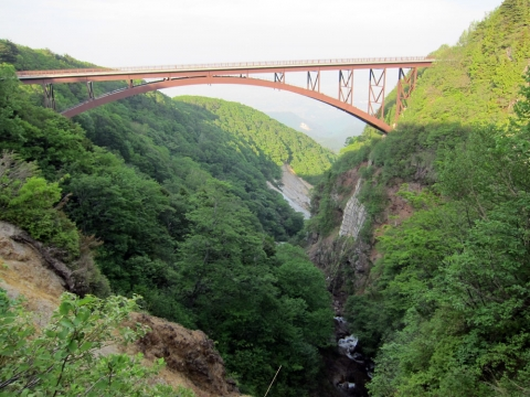 77不動沢橋とつばくろ谷