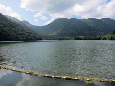 28湯の湖
