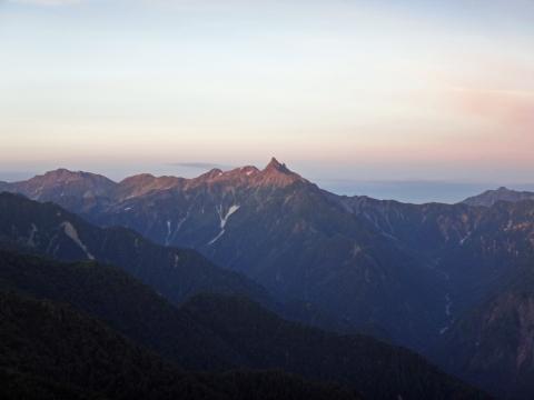 早朝の槍ヶ岳