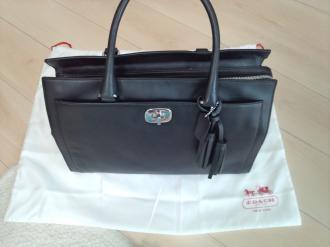 コーチの黒バッグ
