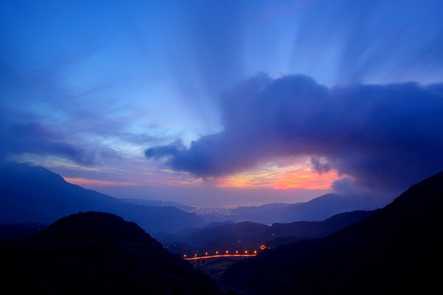 夏山の夜明け(1)