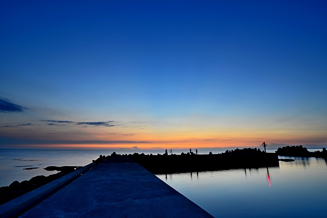 黄昏漁港(3)